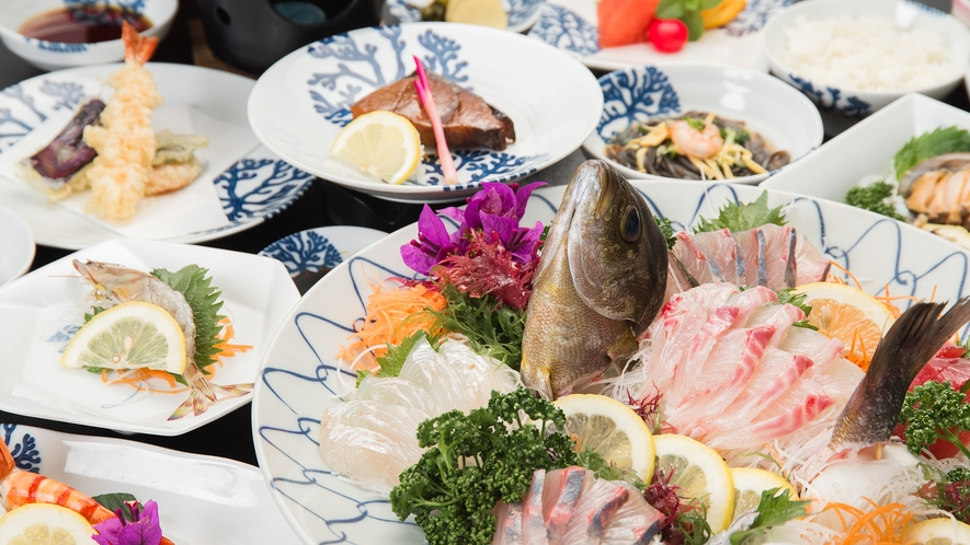 *【夕食一例】新鮮な海の幸をお腹いっぱいお召し上がり下さい!