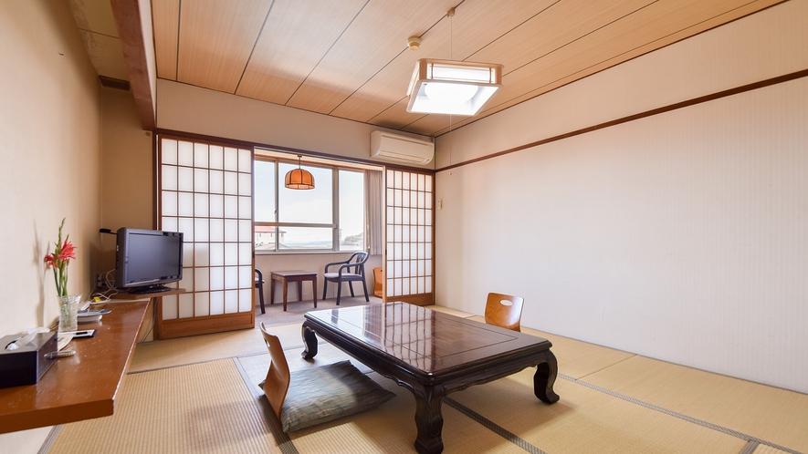 *【客室一例:和室10畳】畳のお部屋で団欒のひと時を…