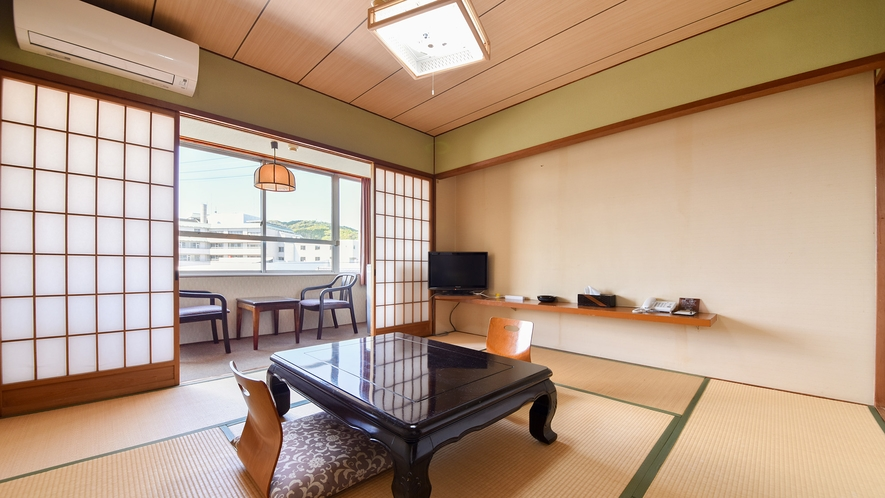 *【客室一例:和室8畳】足を伸ばしてお寛ぎ下さいませ。