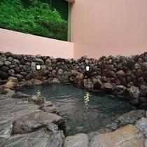 大浴場内にある露天風呂