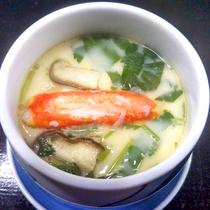 *蟹茶碗蒸し一例/お出汁と蟹の風味が、やわらかな玉子で凝縮♪
