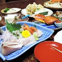 *【夕食一例/スタンダード】手作りにこだわったお食事は、大変ご好評いただいております。