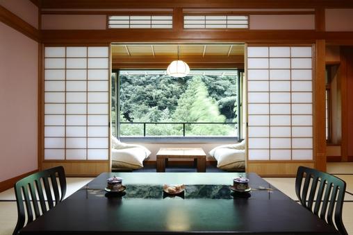 【池の棟】山側・一般客室(和室10畳+広縁)