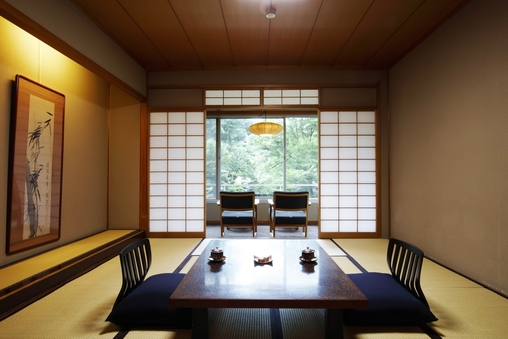 【本 館】庭園側・一般客室(和室10畳+広縁)※