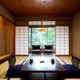 【本館】庭園側・一般客室(和室10畳+広縁)