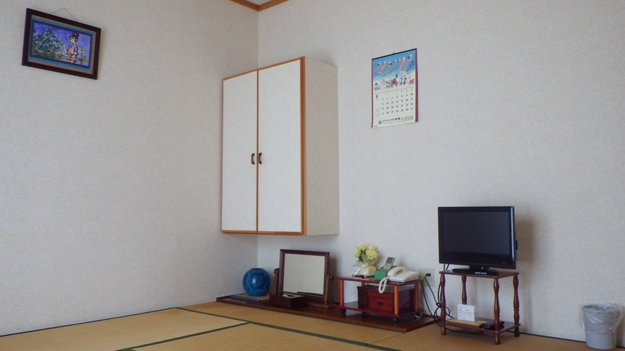 *客室一例/1名様から4名様までお寛ぎ頂ける、純和風の畳のお部屋です。