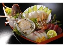 三陸の新鮮魚介を使ったお造り『大漁船盛』