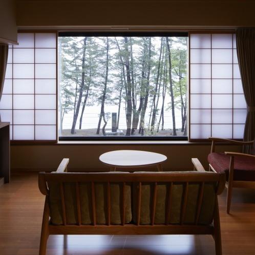 <海側>和室8帖次の間付デラックスタイプ(シャワー・バス付)