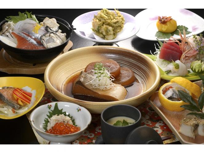 三陸の新鮮魚介を使った宝来館の御夕食