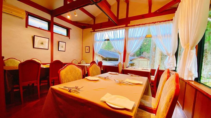 【レストラン】朝食・夕食はレストランで