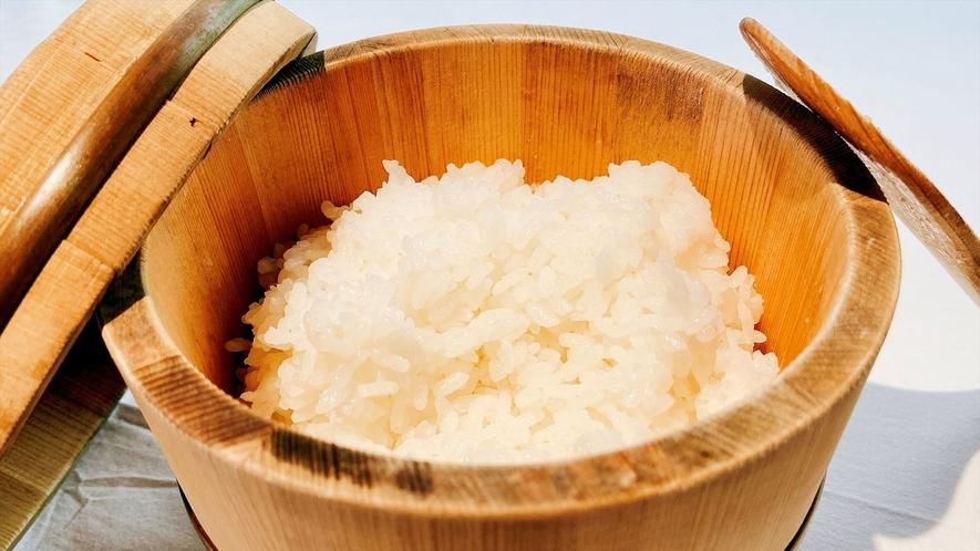 【朝食】炊き立てのご飯