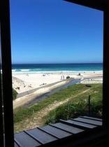 客室から見たビーチです。