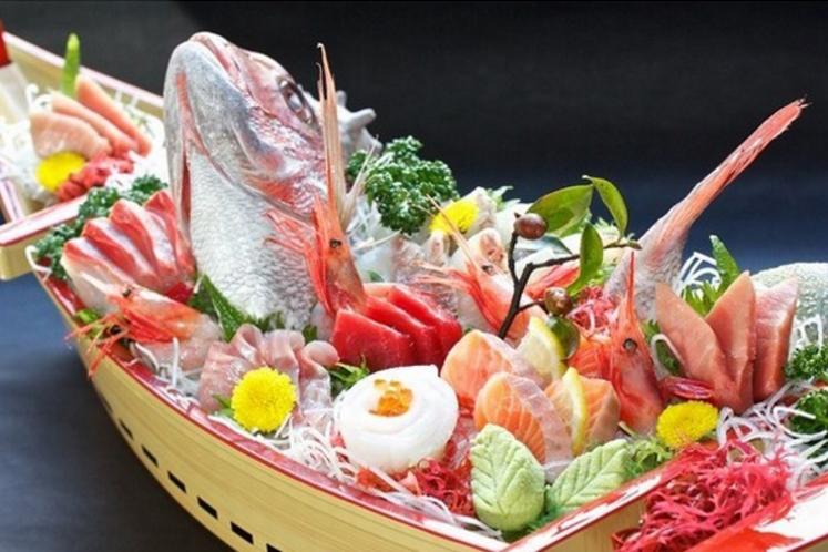 ランチや夕食時に船盛もご用意できます。1台¥3240~