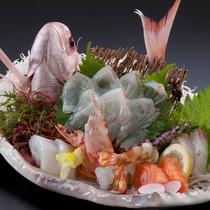 【料理/逸品】豊後鯛を使った刺身の盛り合わせです、お祝いの席にもピッタリ!!