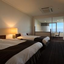 【部屋/洋室】ゆったり広めのベッドでゆっくりお寛ぎ下さい。