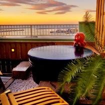 *貸切風呂からの夕景