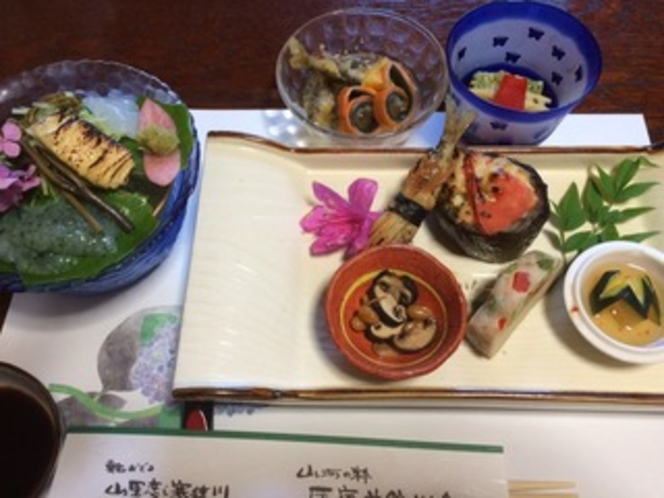 夏前菜と珍味・山里お造り・珍味小鉢