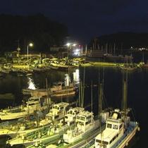 窓からの景色 夜の港
