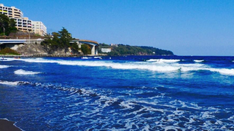 **【湯河原海水浴場】遠浅なのでお子様にも遊びやすく、ファミリーにぴったりな海水浴場です。