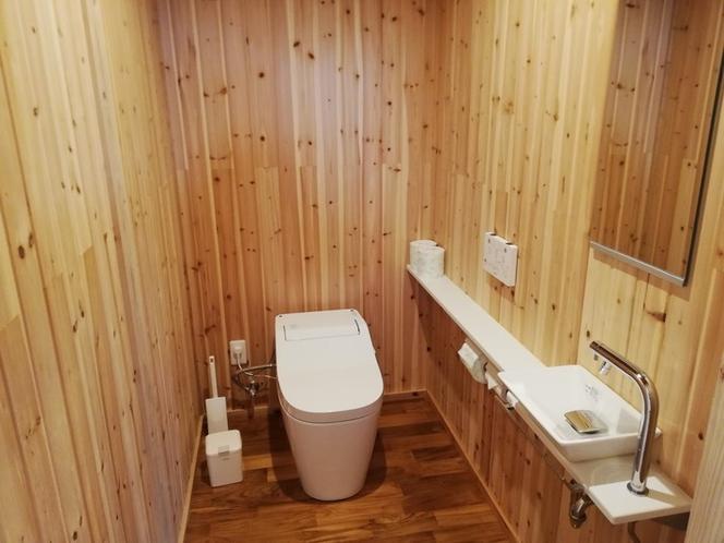 洗浄機付き水洗トイレと手洗い