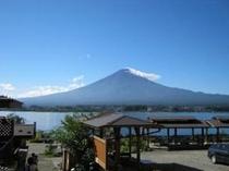 戸沢センターからの秋の快晴の富士山