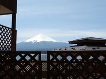 10人用コテージC型テラスからの富士山