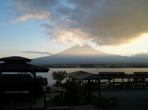 11月、夕暮れの富士山