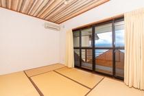 8人用D型2階和室(寝室)