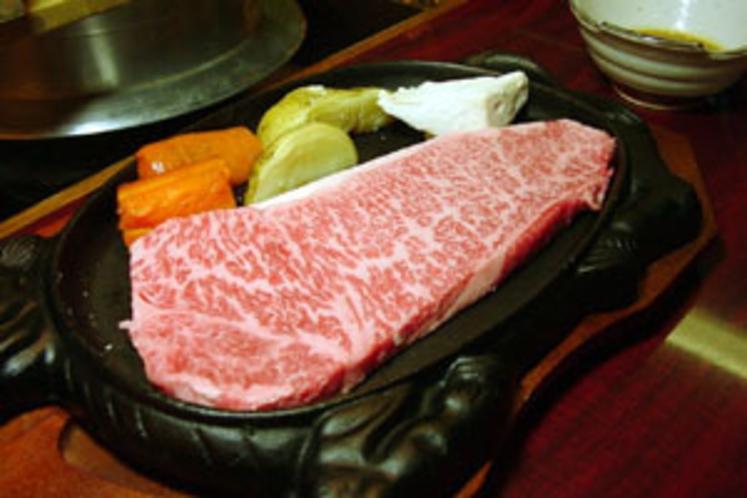 飛騨牛鉄板焼きステーキ