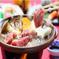 長崎和牛の陶板焼き 厚切りの長崎和牛をお客様のお好みの焼き具合でお楽しみ頂けます。