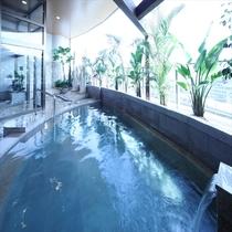 バリ風露天風呂(昼)※毎週月曜日の10時に男女入れ替えでございます。