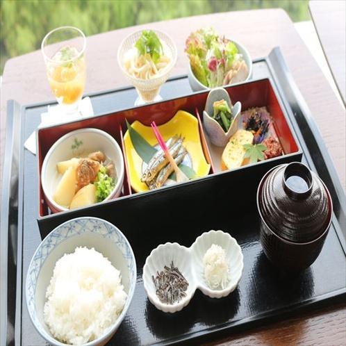 長崎の食材を使用した豪華和朝食