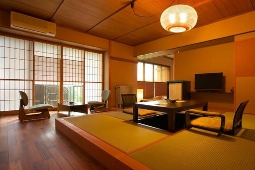 和モダンの和室(堀コタツ+温泉檜風呂