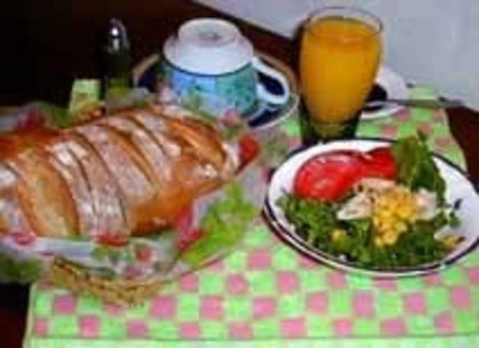朝のサラダ