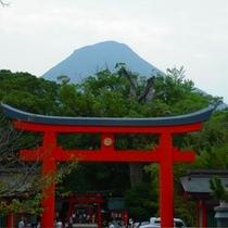開聞岳の麓に建ち、薩摩国一宮として現在も多くの人々に親しまれている神社☆