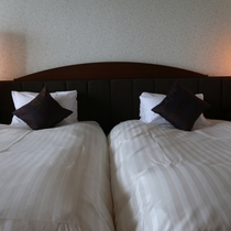 【女性優先フロア】和洋室 ★ 広さ33平米。洋室ツインルーム+和室4.5畳。女子旅におすすめ♪