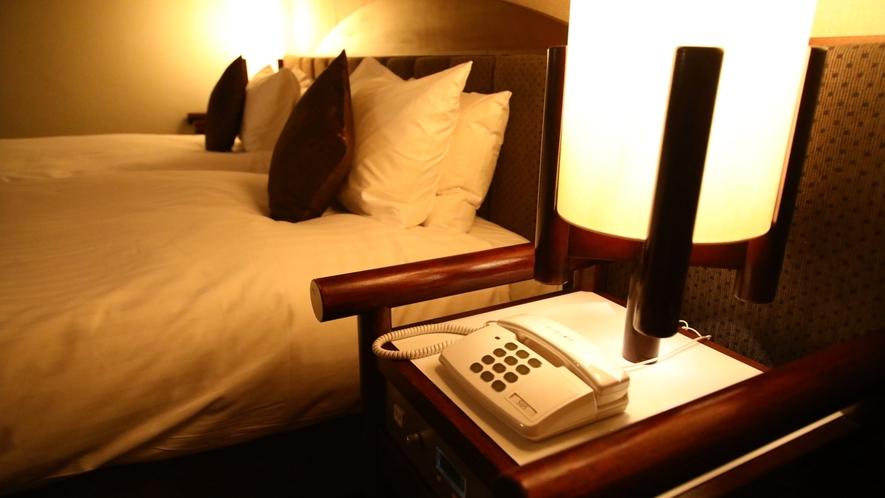 お部屋の電話番号 内線1押しましたらフロントとつなぎます。いつでもお客様の対応できるように