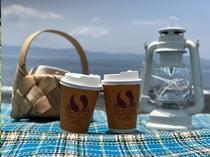 海まで行って」コーヒー飲むのは良い気持ち