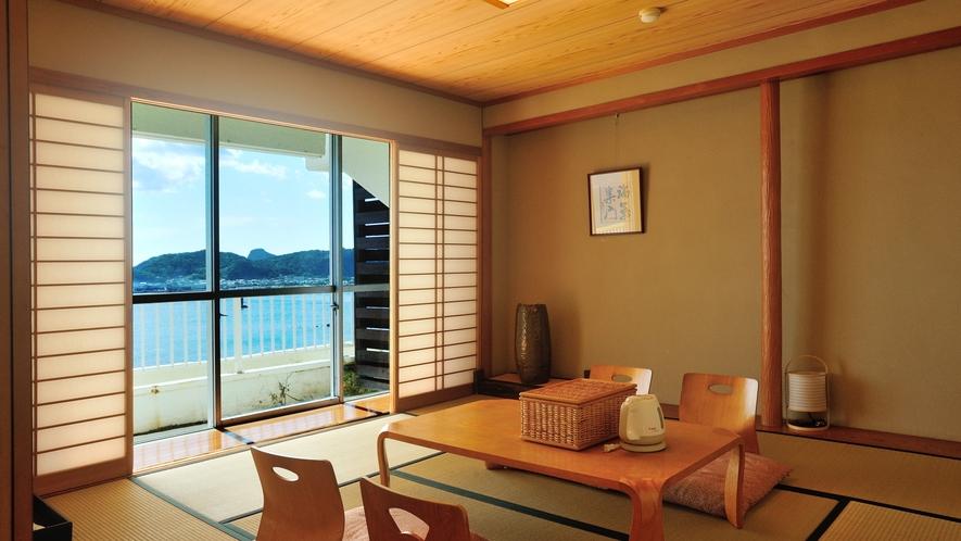 【デラックスフロア】海側和洋室、和室側。3階なので海を近くに感じることができます♪