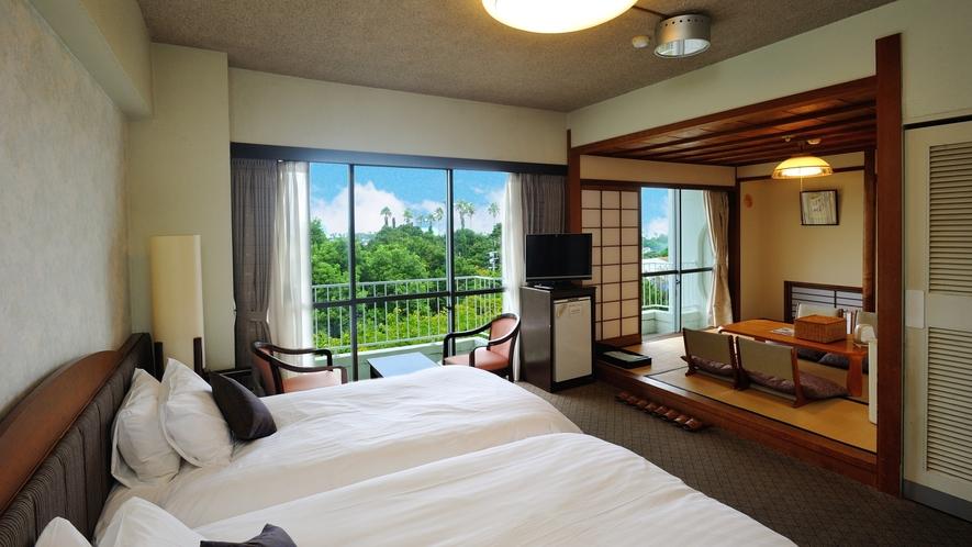 【スタンダードフロア】市街地側和洋室。 魚見岳&知林ヶ島側。洋室ツインルーム+和室4.5畳。