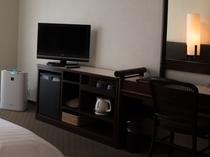 【空気清浄機】全客室に加湿機能付き空気清浄機を完備!洋室はUSBポート有。
