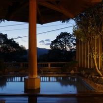 露天風呂・木洩れ日の湯(トップページ用)