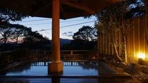 露天風呂/木洩れ日の湯