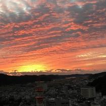 屋上展望台からの朝焼け