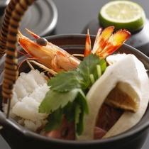 【秋の懐石】旬の食材をふんだんに使用し、趣向を凝らした京料理をお楽しみいただけます。