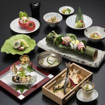 【夏の会席】季節ごとに趣向を凝らした京料理をお楽しみいただけます。