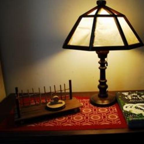 ◆ライト◆廊下やそれぞれを照らす白壁荘の明かり