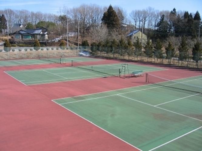 テニスコート合計12面(内ナイター6面)