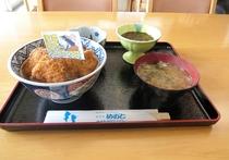 名物 ブリカツ丼!!