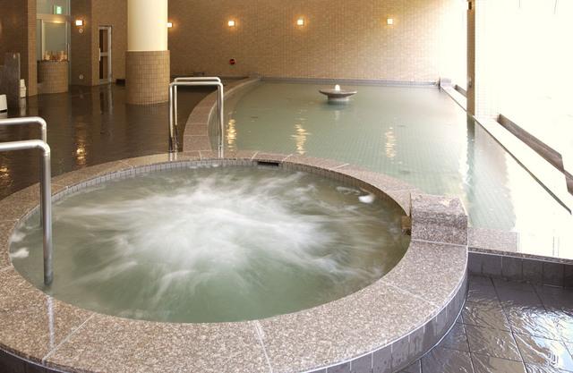 【ジャグジー】大浴場の隣には、疲れたお体にうれしいジャグジーがございます。